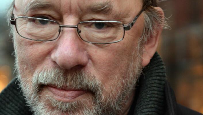Tor Langbach har gått av som leder av Domstoladministrasjonen, men ligger ikke på latsiden.