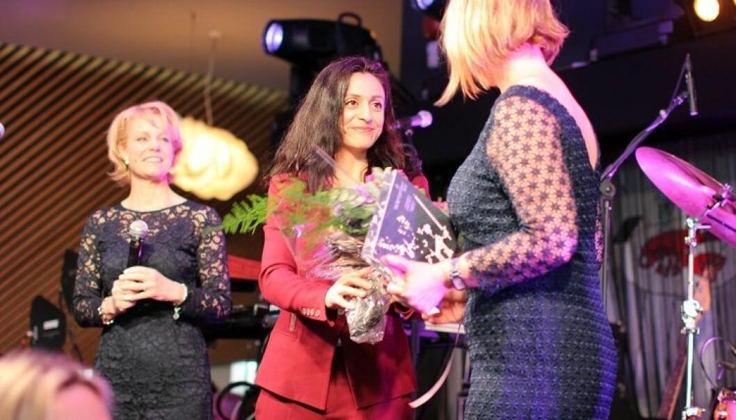 Det var leder av Justiskomiteen, Hadia Tajik, som fikk æren av å dele ut talentprisen. Foto: Thea N. Dahl