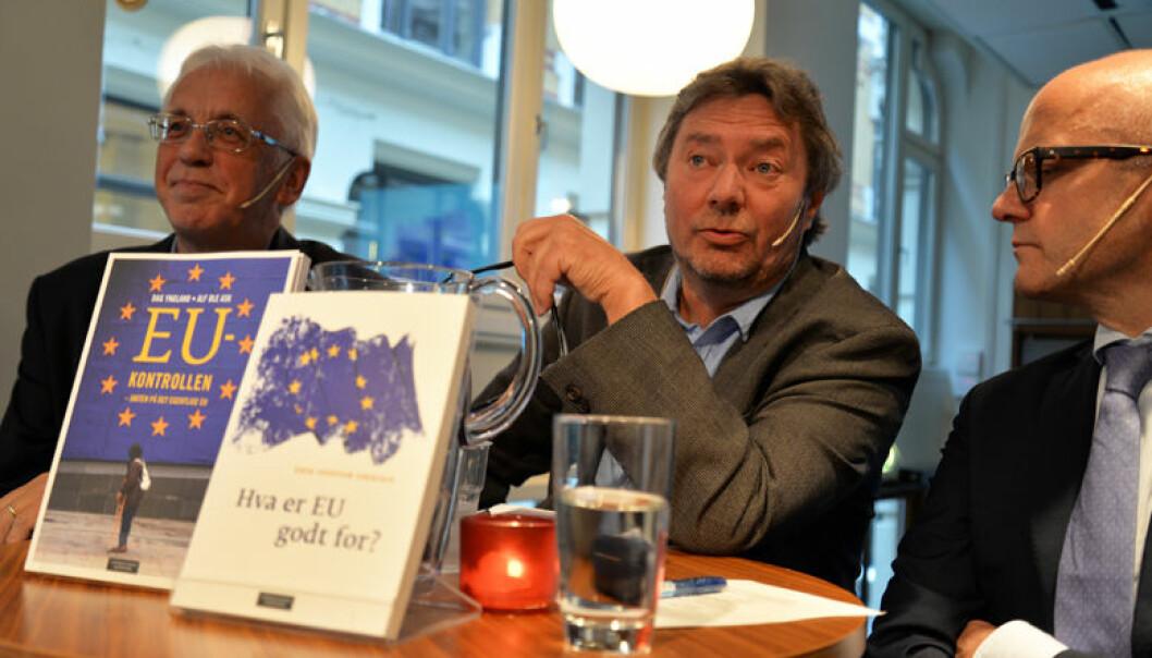 - Norske kommuner er med på utredninger i EU. Dette er en interessant flytting av politisk makt, sa Alf Ole Ask (i midten), i debatt med Erik Oddvar Eriksen (til venstre) og statsråd Vidar Helgesen.
