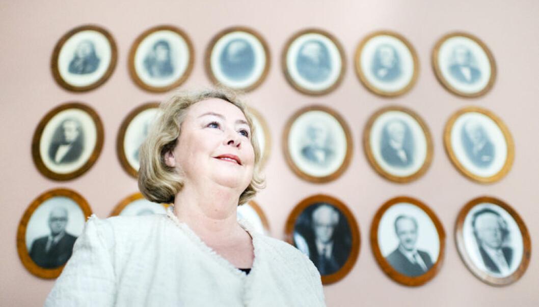 Vær muntlig, og ikke bare les opp dokumenter, råder Høyesterettsjustitiarius Toril Marie Øie.