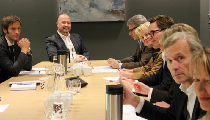 Erik og sentrale tillitsvalgte i møte med justisminister Anders Anundsen og statssekretær Vidar Brein-Karlsen om salærsatsen.