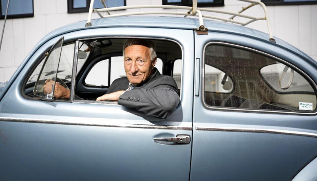 <html><head></head><body> – Boblen ble første gang registrert i 1957, jeg kjøpte den i 1971. Jeg er jo medlem av veteranbil-klubben her, forskjellen på meg og de andre, er at de har veteranbil som et leketøy, mens for meg er det den bilen jeg har!</body></html>
