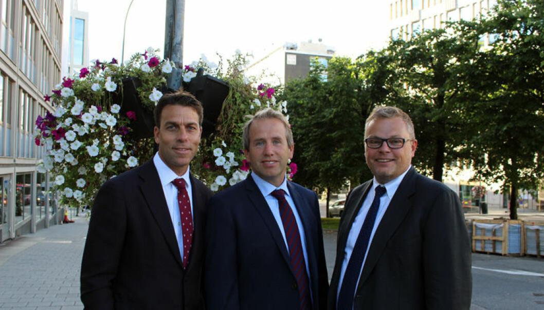 Therium Nordic håper å bli attraktive for norske investorer, sier Trond Jacobsen (til venstre). Her sammen med Henrik A. Jensen og administrerende direktør Henrik Berg.