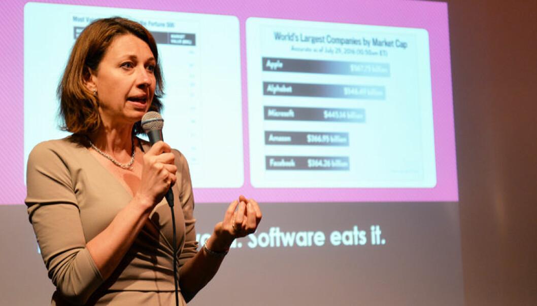 – Det er ekstremt viktig å kombinere den analytiske, teknologiske verktøykassen med det kreative i mennesker som vi ikke kan lage algoritmer for, sier Silvija Seres.