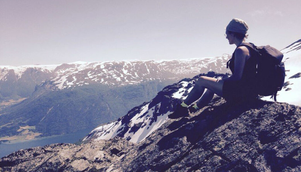Anine Kierulf tilbringer sommerferien ved Gloppefjorden og i Sunndalsfjellene. Foto: Privat