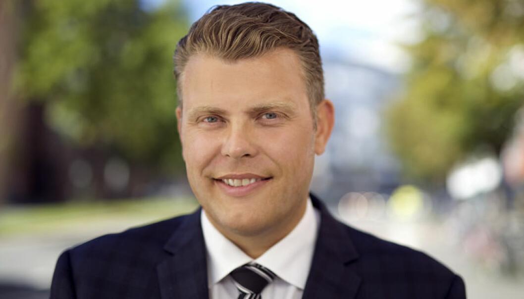 Forlenget bruk av fotlenke er et samfunnsmessig lønnsomt tiltak, mener justis- og beredskapsminister Jøran Kallmyr. Foto: CF-Wesenberg@kolonihaven.no