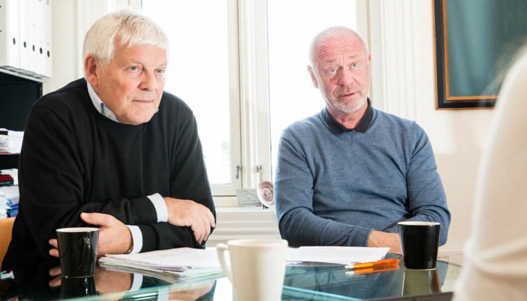 Advokatene Kjell Brygfjeld og Bent Endresen går rettens vei for å finne ut hvorfor kontoret ble overvåket av PST.