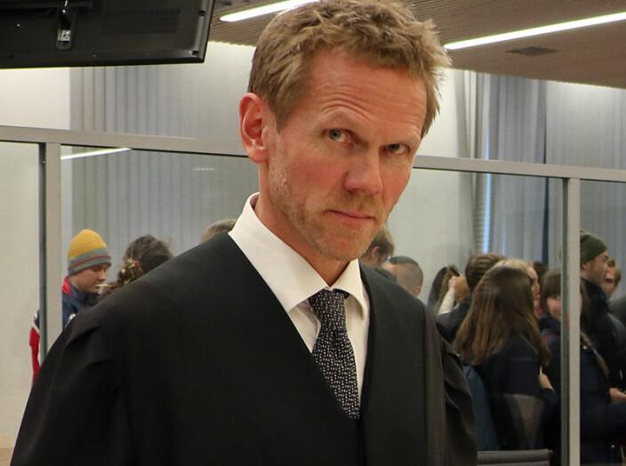 - De driver inn domstolen for å overstyre de brede demokratiske premissene som ligger til grunn for norsk petroleumspolitikk, sa regjeringsadvokat Fredrik Sejersted.