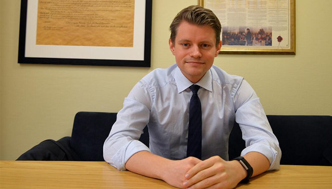Høyres justispolitiske talsperson Peter Frølich er oppgitt over det han mener er bevisst feilinformering fra Sps side.