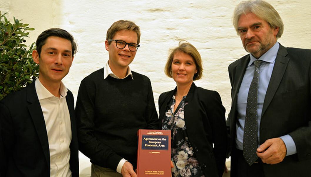 Christophe Hillion (fra v.), Halvard H. Fredriksen, Monica Syrdal og Ola Mestad med den nye EØS-boken.