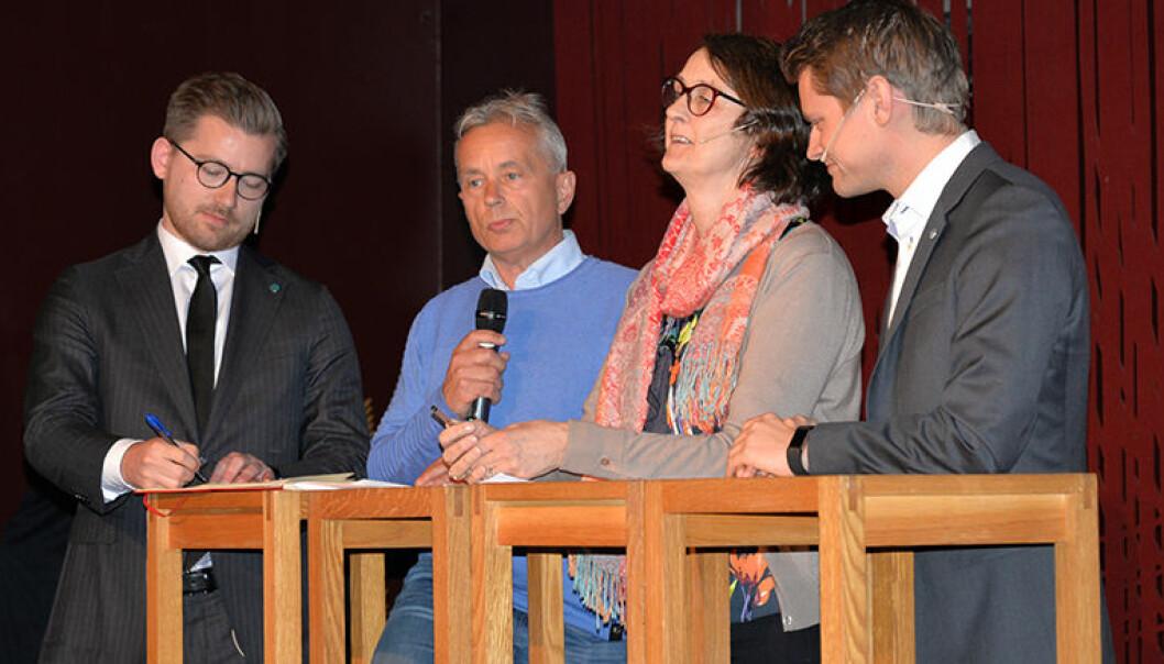 Politikerpanelet bestod av Sveinung Rotevatn (V), Knut Storberget (A), Kari Henriksen (A) og Peter Frølich (H).