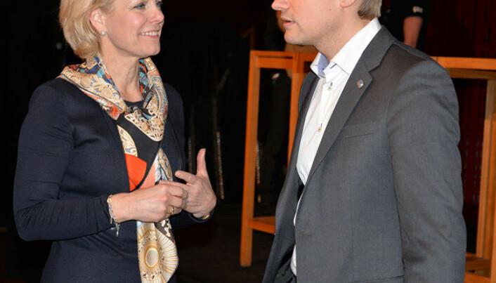 <html><head></head><body> Merete Smith og Peter Frølich i diskusjon etter et foredrag om Norsk kriminalpolitikk tidligere i år. Nå er de to enige om at minstestraff for voldtekt bør fjernes. Foto: Nina Schmidt</body></html>