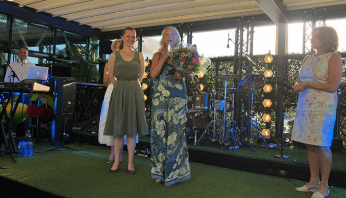 GLADE VINNERE: Lund og Co, representert ved partnerne Silje Aga Rogan (t.v.) og partner Caroline Lund vant Advokatforenigens talentpris!