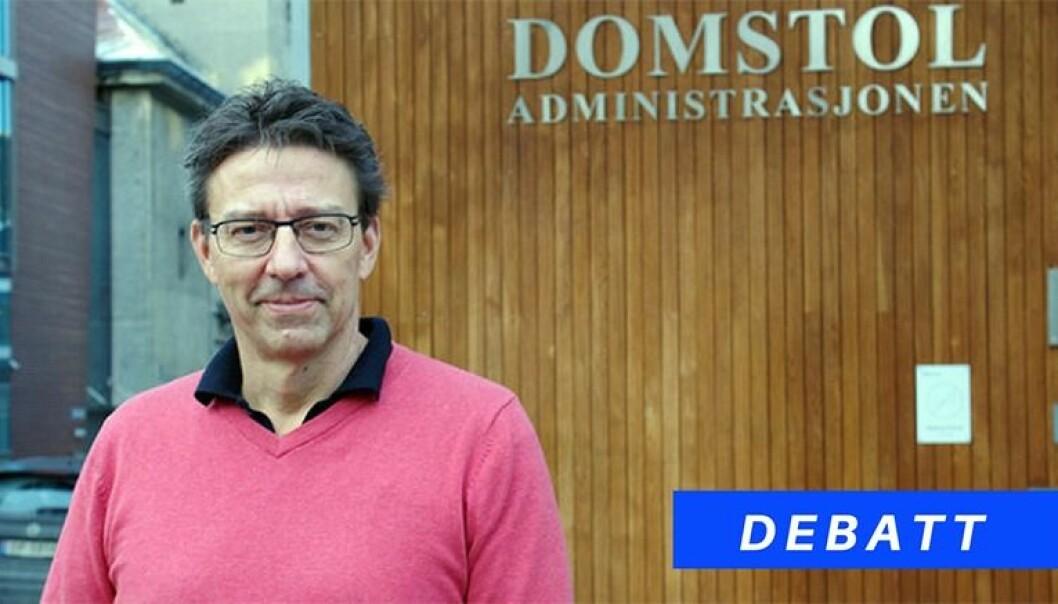Iwar Arnstad er kommunikasjonsdirektør i Domstoladministrasjonen.
