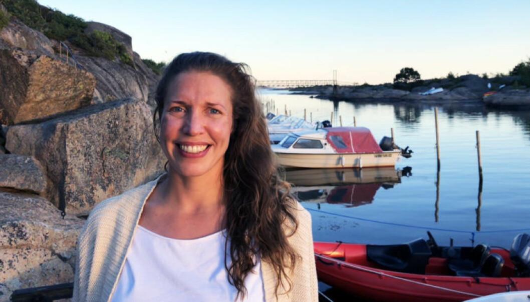 Tre ingredienser skal til for at Elden-advokat Mette-Julie Sundby får en god sommer: Familie, venner og lune svaberg. Foto: Privat