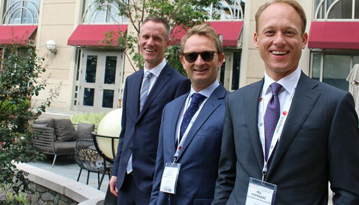 Advokatbladet møtte Kjetil Harding under IBA-konferansen i Washington i 2016. Her med Haavind-kollegene Preben Brecke til venstre og Paal Kvernaas til høyre.