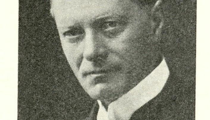 <html><head></head><body> Høyesterettsadvokat Harald Norregaard grunnla det vi i dag kjenner som advokatfirmaet Hjort i 1893. Han ledet også Advokatforeningen fra 1904 til 1907.</body></html>