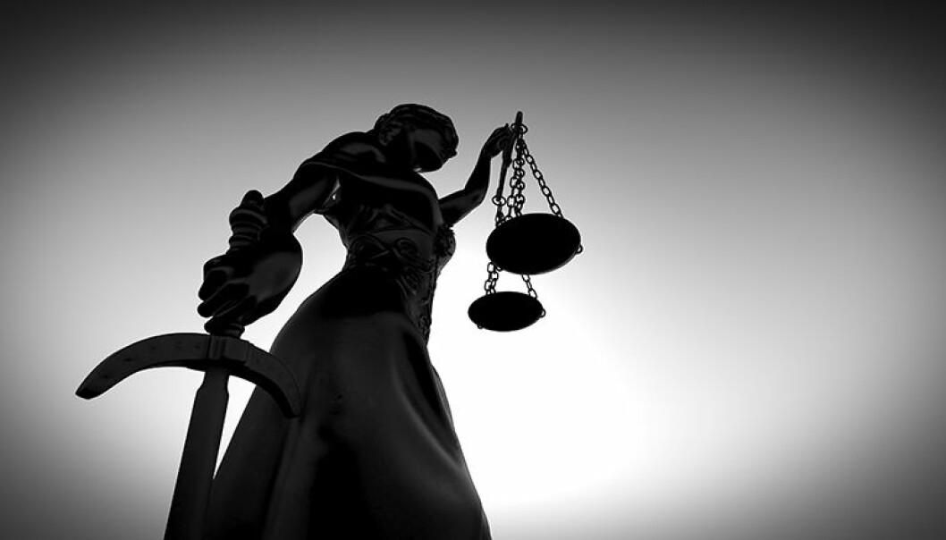 I sitt tilsvar anfører advokaten at klager «kom med slibrige og truende telefonsamtaler». Foto: Istockphoto.com
