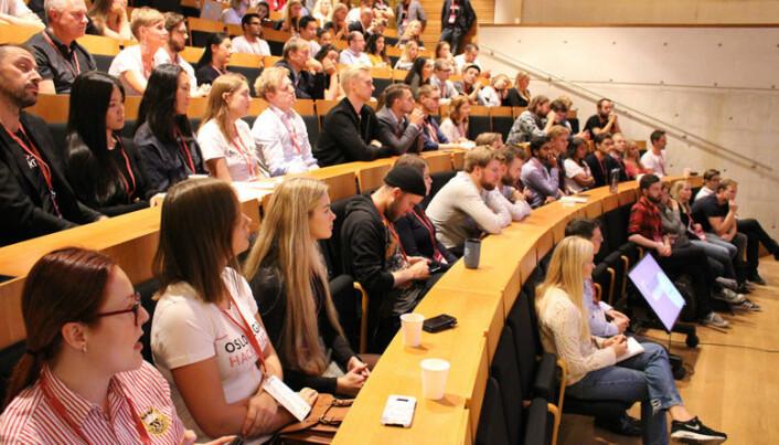 <html><head></head><body> Spente deltagere i salen før Oslo Legal Hackathon startet fredag ettermiddag.</body></html>