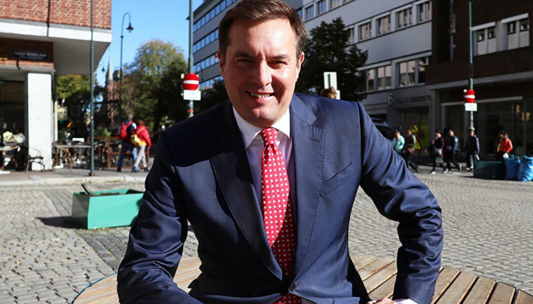 Advokat dr. juris Niels Kristian Axelsen har holdt foredrag for advokatvirksomheter og andre om hvitvasking i nærmere 14 år.