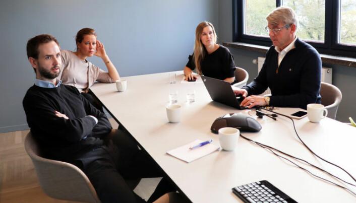 <html><head></head><body> Generalsekretær i Huseiernes Landsforbund, Morten Andreas Meyer, prøver seg på en automatisert utleiekontrakt.</body></html>
