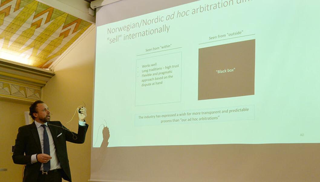 – Overfor internasjonale aktører bør vi trekke frem at vi har enklere prosesser i Norge som gjør det mer kostnadseffektivt å lage kontrakter basert på norsk eller nordisk rett, enn på for eksempel engelsk rett, sa BAHR-advokat Geir Gustavsson.