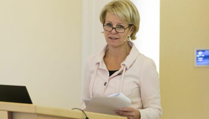 <html><head></head><body> Advokatforeningens generalsekretær Merete Smith mener advokater som driver med eiendomsmegling har hatt god tid til å sette seg inn i kravene. Foto: Geir Egil Skog</body></html>
