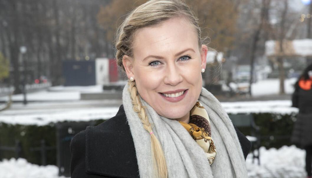 Leder av justiskomitéen på Stortinget, Lene Vågslid vil gi Advokatforeningen forhandlingsrett om salærsatsen. Foto: Andreas Fadum