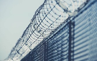Justiskomiteen ber regjeringen kartlegge tvangsbruk i norske fengsler