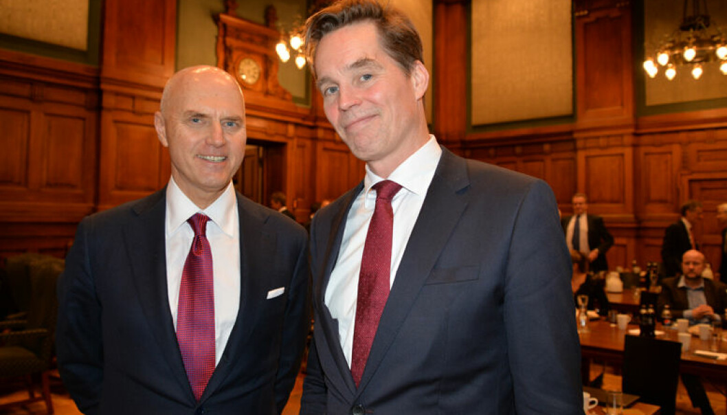 – Opplagte feil må korrigeres, sa Forsvarergruppens leder Marius Dietrichson (til høyre). Han og Anders Ryssdal innledet på Advokatforum i Høyesterett.