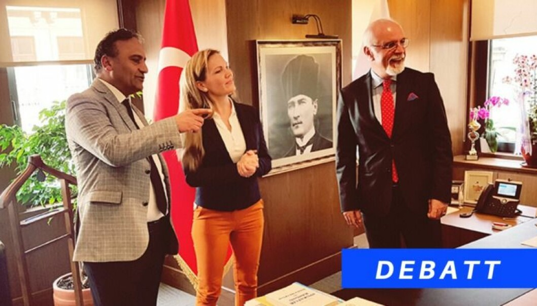 Maria Hessen Jacobsen i Advokatforeningens menneskerettighetsutvalg har flere ganger reist til Tyrkia for å observere situasjonen til tyrkiske jurister. Her med advokat Metin Uracin (t.v.) og presidenten i Istanbul Bar Association, Mehmet Durakoglu.