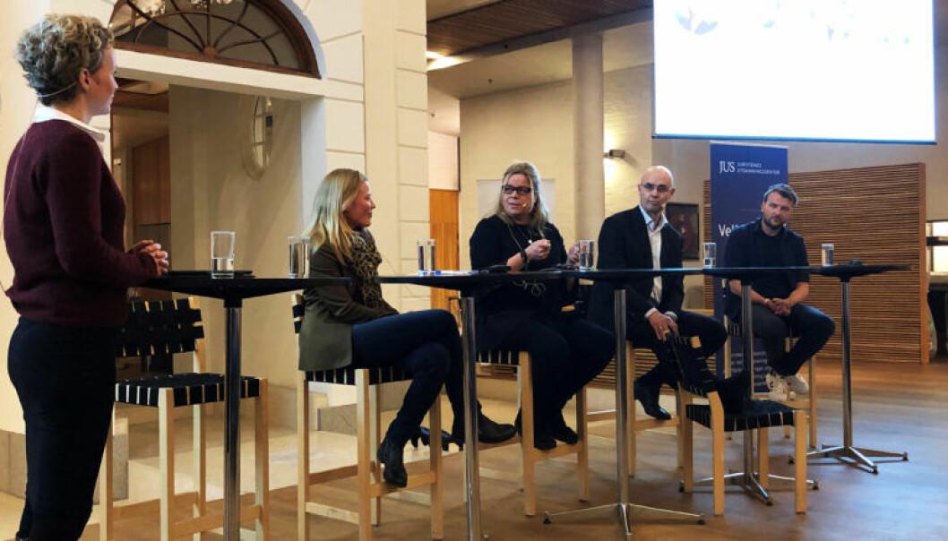 NRKs Ingunn Solheim (t.v) ledet panelet, som bestod av Anne Dingstad Vabø, Cathrine Mostue, Thomas Wetting og Karl-Axel Bauer.