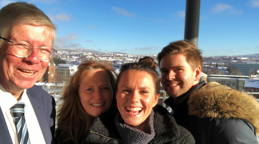 Advokatbladets team gir deg de viktigste daglige nyhetene fra bransjen: Fra v. lagdommer Per Racin Fosmark, redaktør Nina Schmidt, journalist Thea N. Dahl og journalist Henrik Skjevestad.