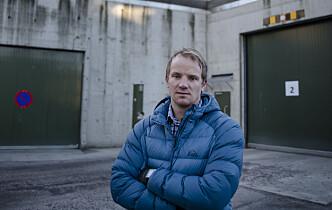 Isolasjon i fengsel: Lå beltet fast i sikkerhetsseng i nesten 100 timer totalt