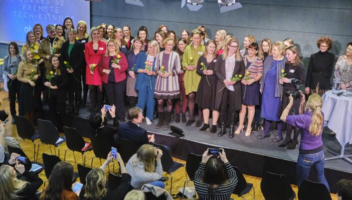 Statsminister Erna Solberg på scenen med tech-kvinnene i Oslo i formiddag. Foto: Privat