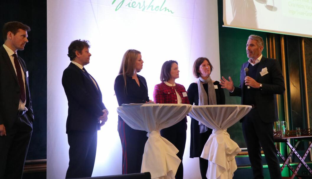 Statsadvokat Inge Svae-Grotli fra Økokrim, Elden-partner Thomas Skjelbred, Maja de Vibe fra Statkraft, Cira Holm i Yara, Muriel Bjørseth Hansen fra Næringsdepartementet, og tidligere Wiersholm-mp, Summa Equitys adm. direktør Nils H. Thommessen, deltok alle i et debattpanel som diskuterte forretningsdrift sett opp mot menneskerettigheter og compliance.
