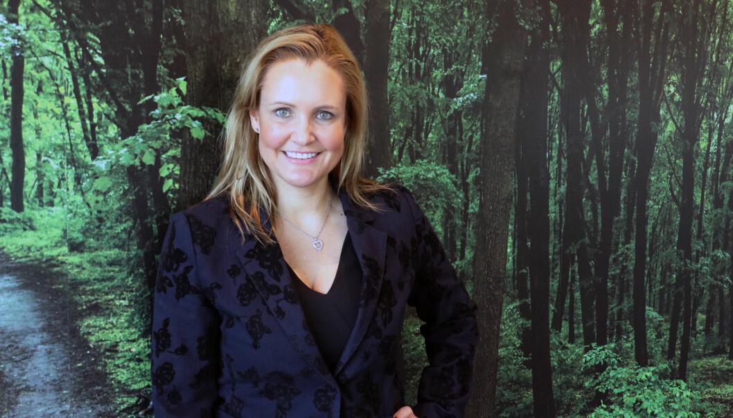 Katrine Hverven Sontum stortrives i dag som HR-direktør, general counsel og kommunikasjonsdirektør i Coor.