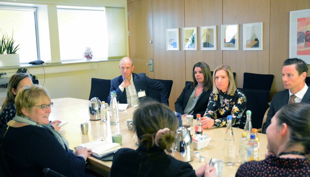 Sverre Tyrhaug (Thommessen), Camilla Lunne (Schjødt), Christel Søreide (Wiersholm) og Geir Sviggum (Wikborg Rein) var blant partnerne som nylig møtte kulturminister Trine Skei Grande (t.v.) Foto: Kulturdepartementet