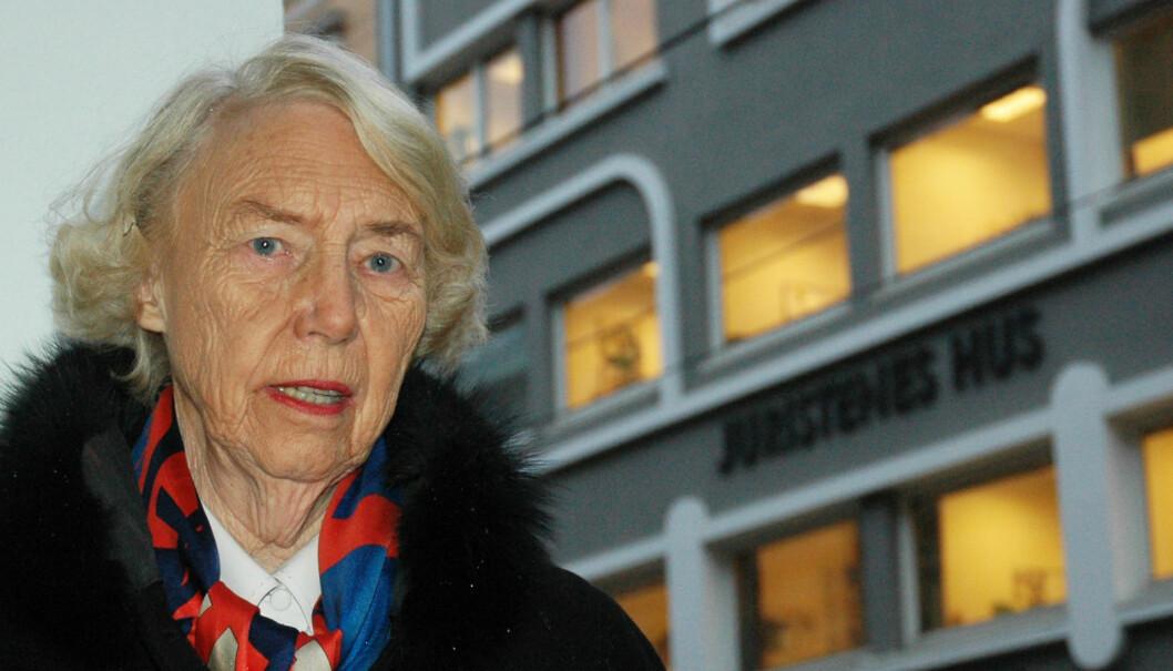 Signe Marie Stray Ryssdal kjempet blant annet for at kvinner skulle få odelsrett på lik linje med menn. Dette bildet er fra 2006, da hun ble intervjuet her i Advokatbladet. Foto: Aina Johnsen Rønning