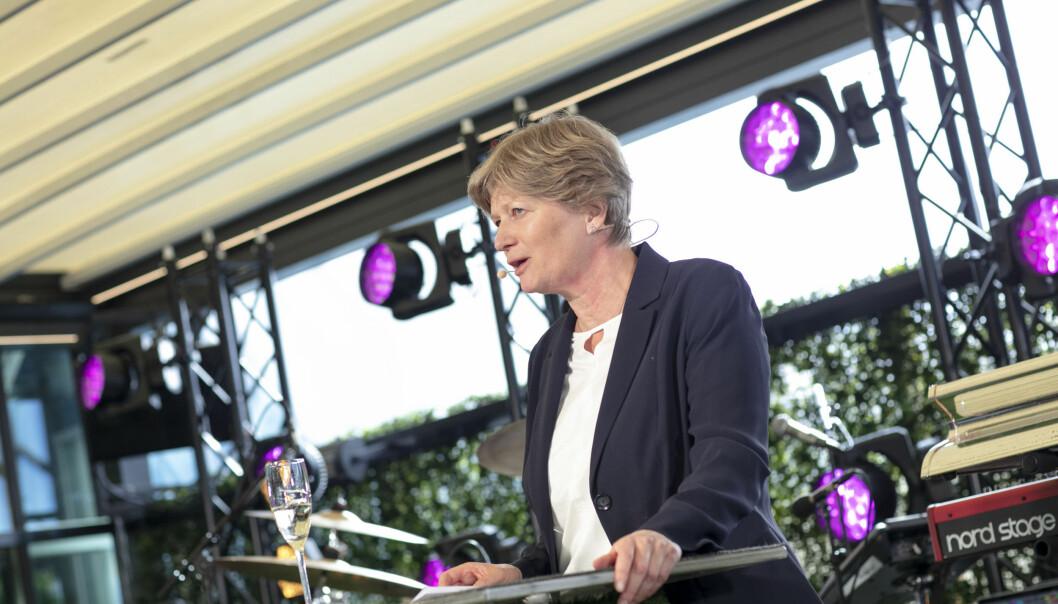 Leder av gjenopptakelseskommisjonen, Siv Hallgren, var hovedtaler under mottagelsen for nye advokater i forbindelse med Advokatfesten på Taket i Oslo torsdag kveld. Foto: Monica Kvaale