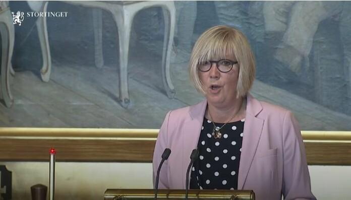 Saksordfører for Høyre, Frida Melvær fra Sogn og Fjordane, mener at lovendringen vil gi større treffsikkerhet for vurderingen av straffefritak. Skjermdump fra Stortinget.