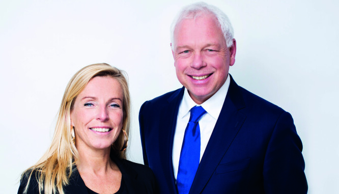 Bas Martens var leder av The Hague Bar fra 2012 til 2015. Suzanne Hendrickx er advokat og rådgiver for Bar association of the Hague. De to rådgir også advokatfirmaer om compliance og risikostyring.