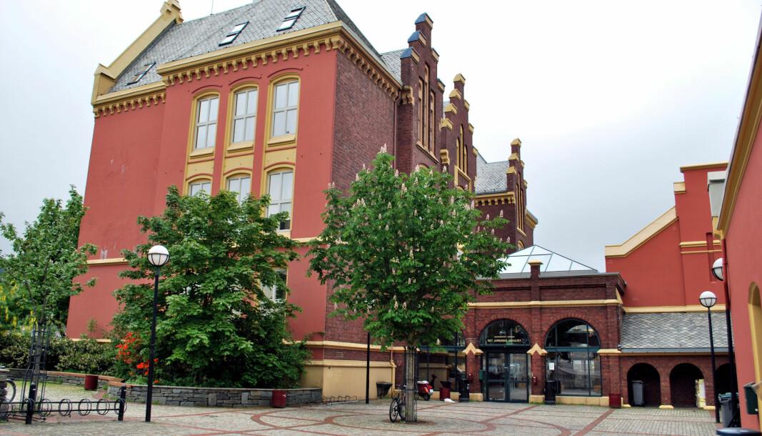 Universitetet i Bergen, med det juridiske fakultet godt plassert på Dragefjellet, er et av tre studiesteder som i dag tilbyr mastergrad i rettsvitenskap.
