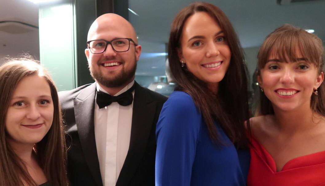 Advokat Anton Forssten og advokatfullmektig Belinda Forssten flankert av to skotske advokater på EYBA-konferanse i Roma.