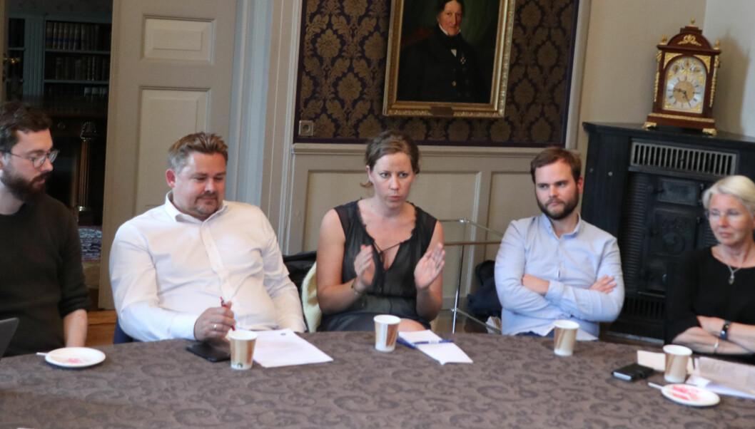 Atle Atle Oftedahl (Lovdata), Bjørn-Are Lyngstad (Domstoladministrasjonen), Merete Nygaard (Lawbotics), jusstudent Emil Solheim, og Tone Bringedal, (DIFI), var blant aktørene som gav sine synspunkter til UiO-ledelsen.
