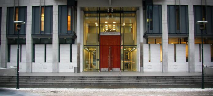 Domstolene med korona-grep