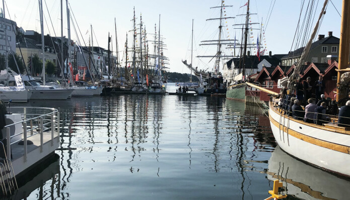 I Pollen ligger seilskutene Stasraad Lehmkuhl, Sørlandet og Christian Radich, og et hav av andre fartøyer.