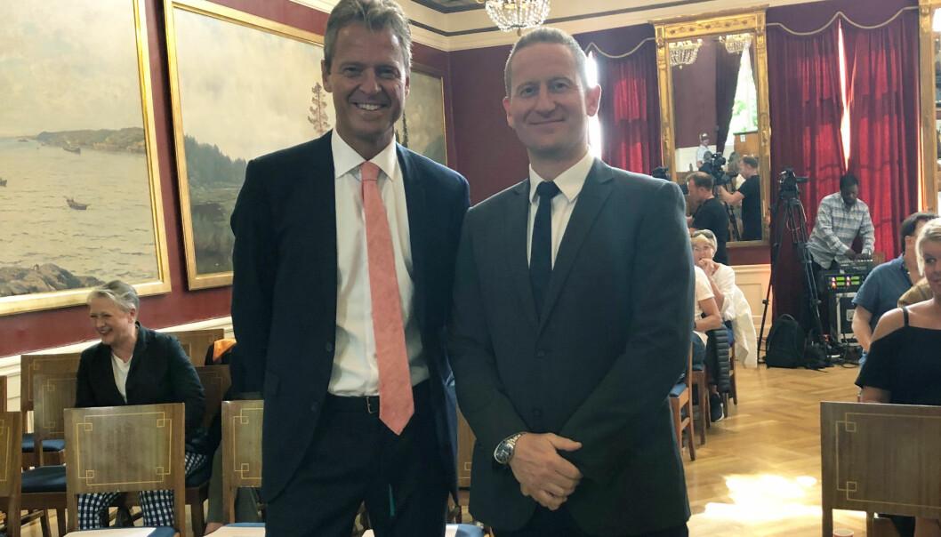 Advokatforeningens leder Jens Johan Hjort og statsadvokat Tomasz Edsberg før rollespillet startet. Foto: Nina Schmidt