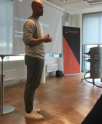 Gründer Anders Kvale i Spacemaker – et av Norges mest hurtigvoksende teknologiselskaper, holdt foredrag for de unge juristene.