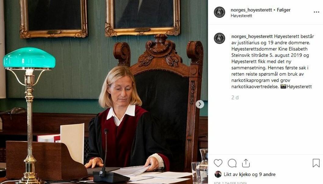 Høyesterettsdommer Kine Elisabeth Steinsvik begynte 5. august, og har fått en egen post.